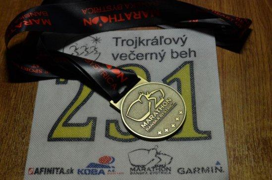 Trojkráľový večerný beh Banská Bystrica - medaila a číslo