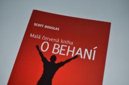 Malá červená kniha o behaní - Scott Douglas